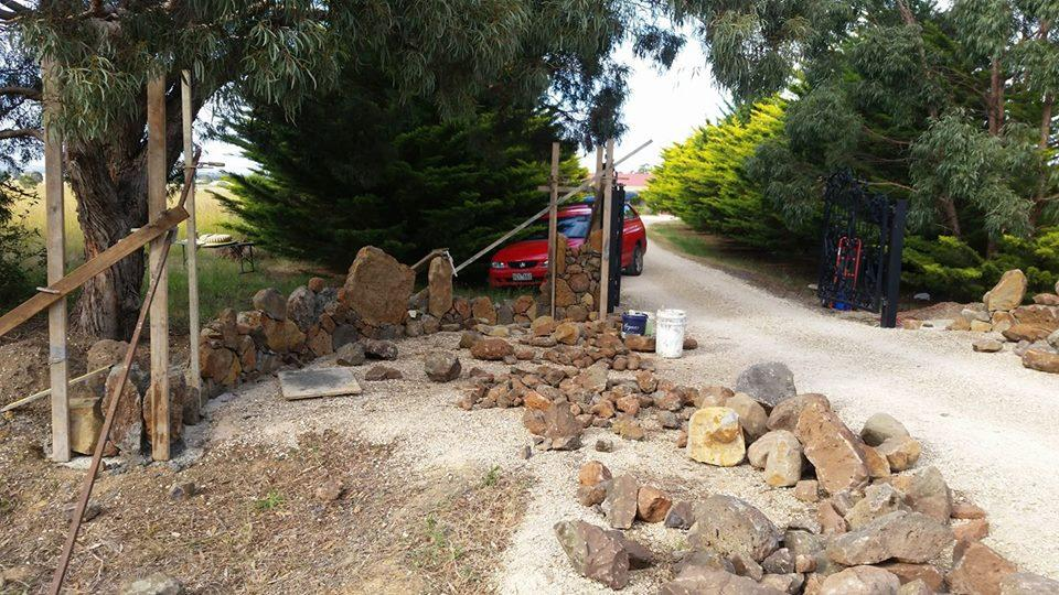 25550177_206114526628996_5958863872119723250_n Melbourne Stonemasons | Dry Stone Walling | Call 0411 73 76 77