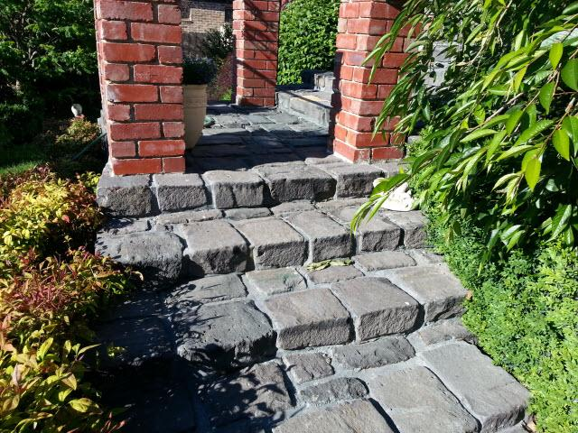 completed%20bluestone%20staircase Melbourne Stonemasons | Showcase | Call 0411 73 76 77