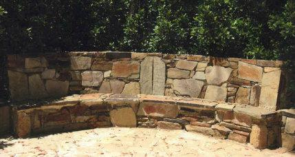 photo7 Melbourne Stonemasons | Dry Stone Walling | Call 0411 73 76 77