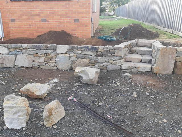 rock-wall-steps Melbourne Stonemasons | Dry Stone Walling | Call 0411 73 76 77