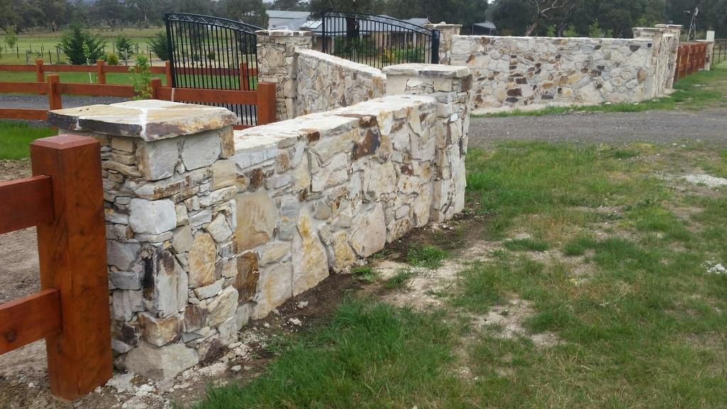 trafalgar-stone-entranceway Melbourne Stonemasons | Showcase | Call 0411 73 76 77